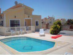 Didim Yeşiltepe'de 700 m2 Bahçe İçinde Müstakil Satılık 3+1 Havuzlu Villa