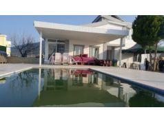 Didim Yeşiltepe'de 700 m2 Bahçe İçinde Satılık 6+1 Havuzlu Villa
