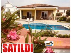 Didim Yeşiltepe de Satılık 3+1 Ayrı Mutfak 700 M2 Bahçe İçinde Havuzlu Müstakil Villa