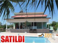 Didim Yeşiltepe'de 700 m2 Bahçe İçinde Satılık 4+1 Havuzlu Villa