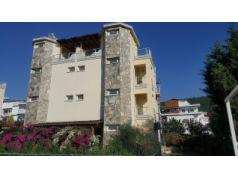 Didim Akbük'de Merkezde,Deniz ve Doğa Manzaralı Satılık 4+1 Eşyalı Villa