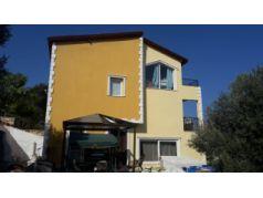 İzmir Yenifoçada Çandarlı Körfezinde Satılık Eşyalı-Deniz Manzaralı 5+1 Müstakil Villa