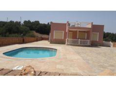 Didim Yeşiltepe'de 700 m2 Bahçe İçinde Satılık Müstakil 3+1 Havuzlu Villa