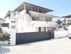 Denizkoyde deniz manzarali mustakil ev